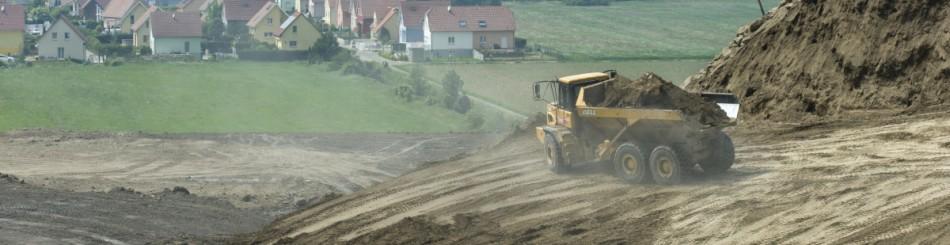Les terrils édifiés dès le début de l'exploitation à partir des résidus miniers contiennent, dans le bassin potassique, une importante dose de sel qui les rend stériles et qui s'infiltre dans le sous-sol, présentant un risque de pollution de la nappe phréatique. Une réhabilitation de ces terrils a été entreprise afin d'évacuer le sel résiduel et d'entreprendre une reconversion et une revégétalisation de ces espaces (Haut-Rhin, 2012).
