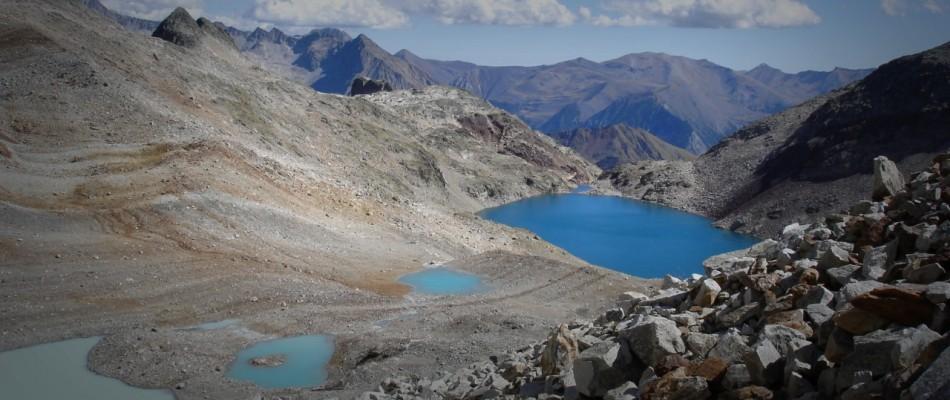 Lacs d'altitude dans le Massif d'Aneto, dans le département des Hautes-Pyrénées